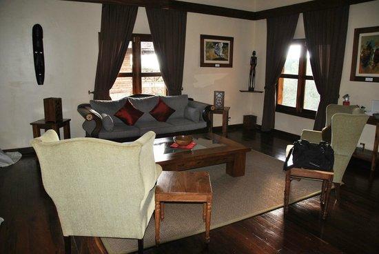 Neptune Ngorongoro Luxury Lodge : Salone