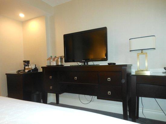 Sheraton Montreal Airport Hotel : TV
