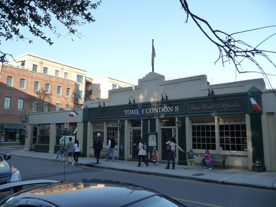 Tommy Condon's Irish Pub and Seafood Restaurant: View of building
