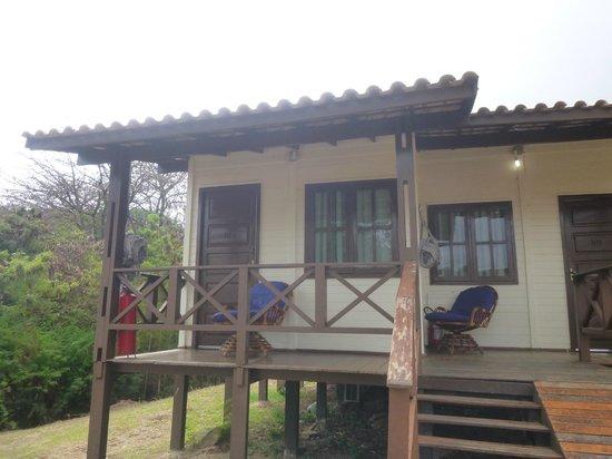 Pousada Simpatia da Ilha: Vista de la habitación, con su balcón