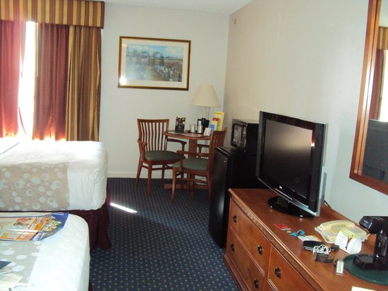 La Quinta Inn & Suites Orlando Convention Center: Quarto