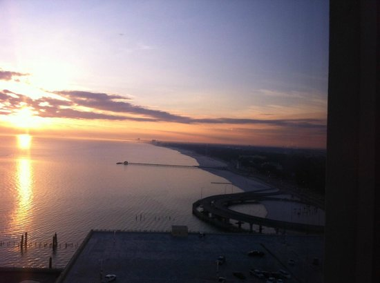 Beau Rivage Resort & Casino Biloxi: Sunset from our room at Beau Rivage/Biloxi