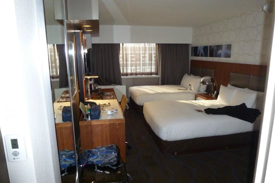 Doubletree Hotel Metropolitan - New York City: Room 1634 toward the window