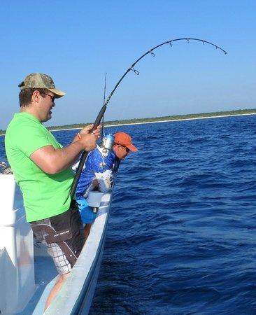 Fishing with Roberto Navarro : en plein combat