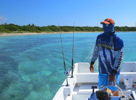 Fishing with Roberto Navarro : roberto navarro