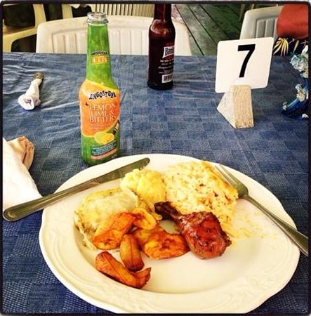 Fisherman's Pub: my grub! i had 2nds oh and lemon lime and bitters is a must try ����❤️✔️
