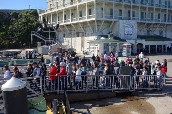 Île d'Alcatraz : Leaving Alcatraz from the dock