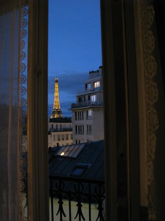 Splendid Hotel: Superior room view to the Tour Eiffel
