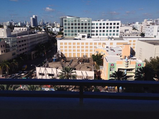 Loews Miami Beach Hotel: City view room of the building site so don't book these rooms unless you enjoy the noise in the