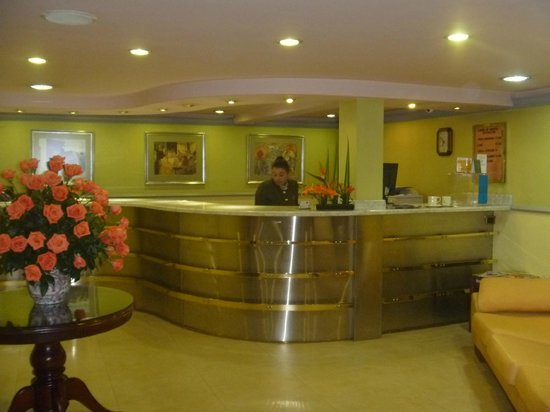 Hotel Caviar: Recepción