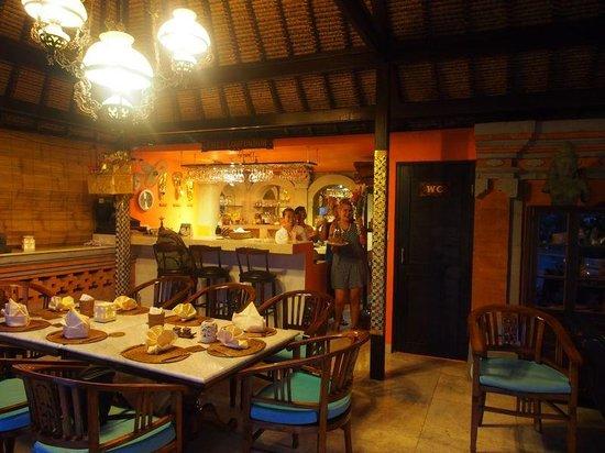 Lodtunduh Sari: Chez Lodtunduh - restaurant/bar