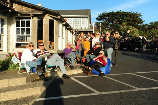 Sea Chest Oyster Bar : Line of people waiting to eat at Sea Chest on Valentine's Day