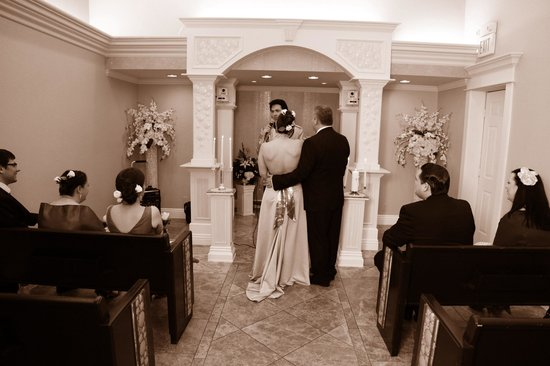 Chapel of the Flowers: the ceremony