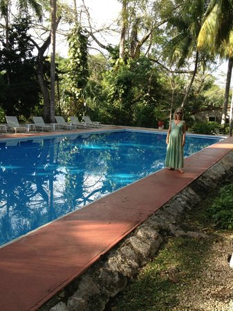 Hacienda Chichen : The healing waters of the beautiful pool