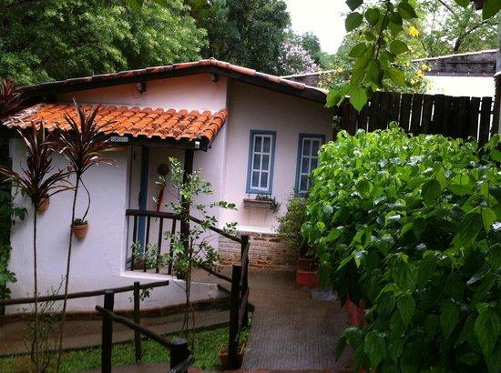Pouso Caminho das Artes: Vista da entrada do chalé 07