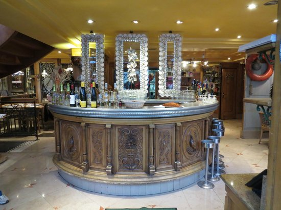 Chez Clement Montparnasse : The Bar