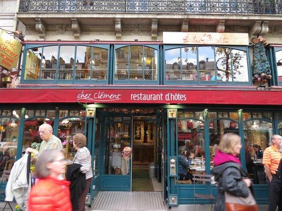 Chez Clement Montparnasse : The Entrance