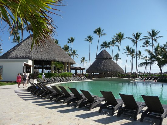 Main Pool And Swim Up Bar Picture Of Now Larimar Punta