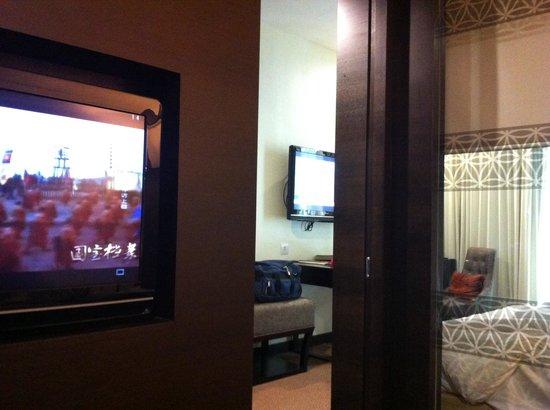 Hatten Hotel Melaka: Room with 2 LCD TV