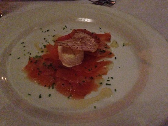 Watergate Restaurant & Lounge Bar : Atlantic salmon carpaccio