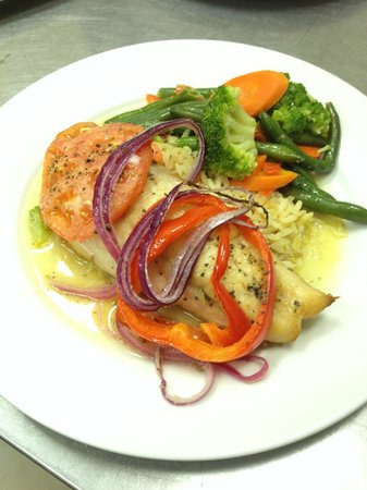 Seasons Restaurant: Red Snapper Italiano - bell peppers,tomatoes,onions,butter
