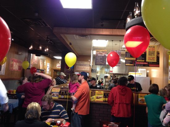 Dickey's Barbecue Pit: Family festive happening!