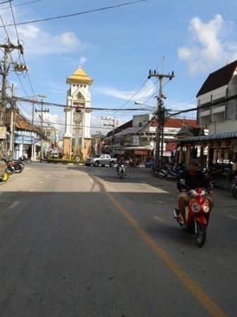 Modern Thai Hotel: clock tower