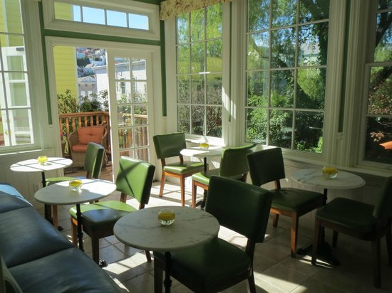 Parker Guest House: Breakfast room