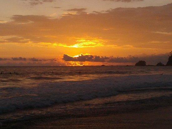 La Mariposa Hotel : Sunset at the beach near the hotel