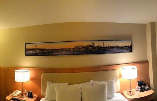 Hilton San Francisco Airport Bayfront : room art