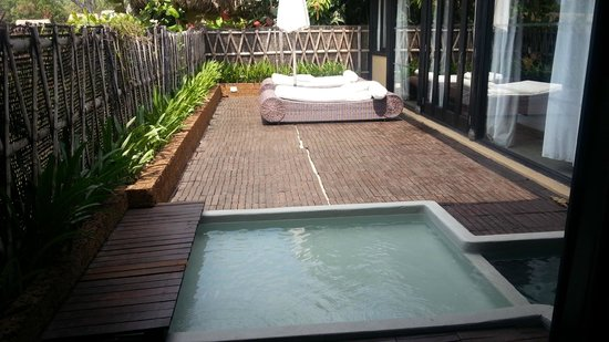 Chen Sea Resort & Spa Phu Quoc: terrace with jacuzzi