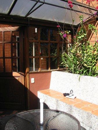 Hostal El Arupo: Patio view