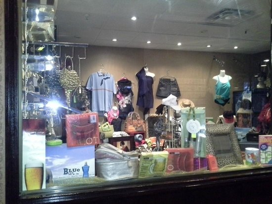 BEST WESTERN PLUS Toronto Airport Hotel: gift shop