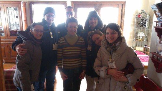 Au Gite de la Maison Hote : Us with the owners!