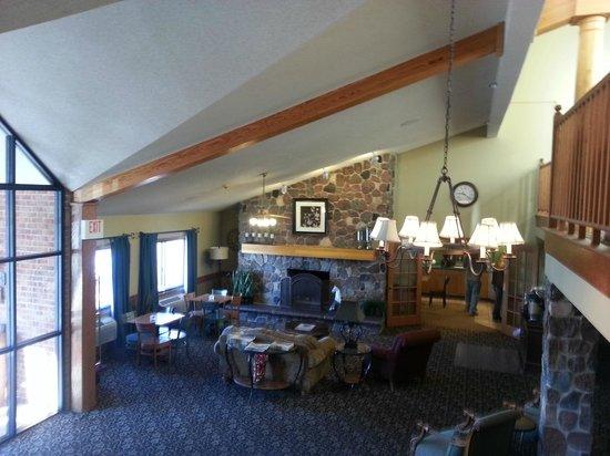 AmericInn Lodge & Suites Kearney: Lobby