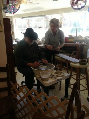 Hickory Flat Pottery: Jim's first time to try his hand at the wheel.