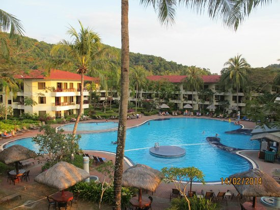 Holiday Villa Beach Resort & Spa Langkawi: The pool