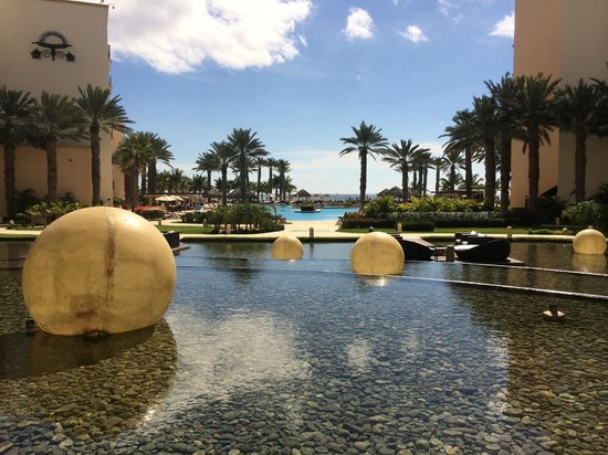 Hyatt Ziva Los Cabos : View to the main pool and ocean from