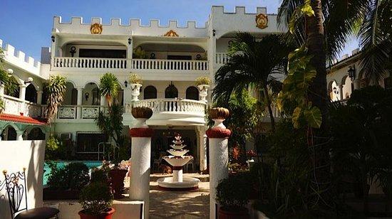 White Castle Resort & Hotel: Entrance