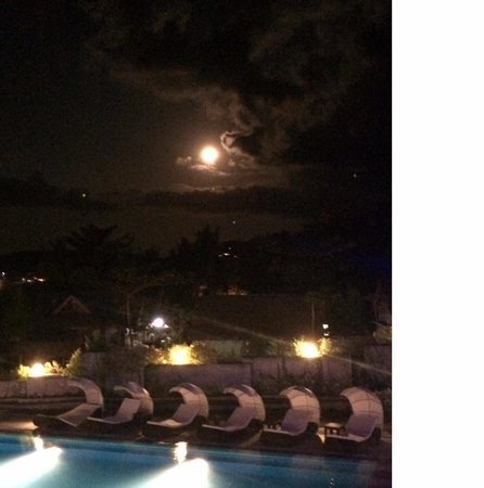 Infinity Resort: Full Moon Night, picture perfect