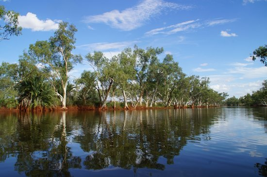 Yannarie, Australia: Milliwithi Pool 200m from homestead.  Great for kayaking, swimming and even fishing!