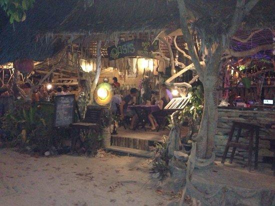 Oasis bar & restaurant Phi Phi Island : Funky bar and restaurant!