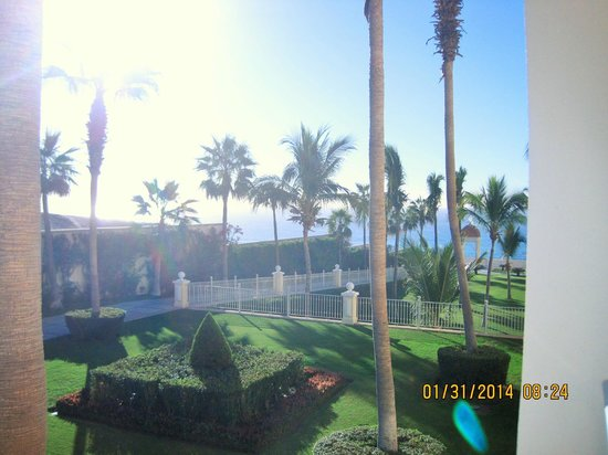 Hotel Riu Palace Cabo San Lucas: view from balcony on 2169