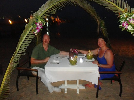 The Village Coconut Island Beach Resort: dinner on the beach