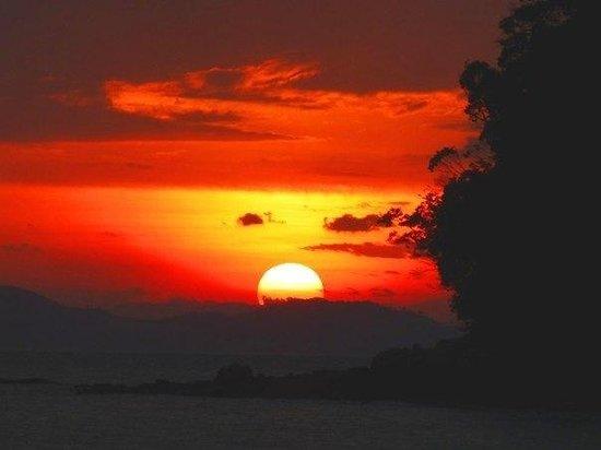 Beyond Resort Krabi: Закат. Вида пляжа beyond