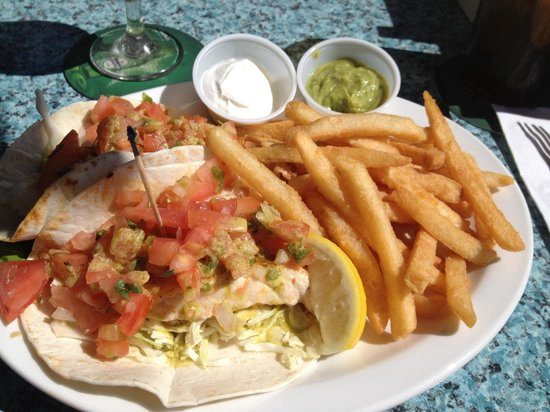 Snappers Sea Grill : Grilled grouper fish tacos