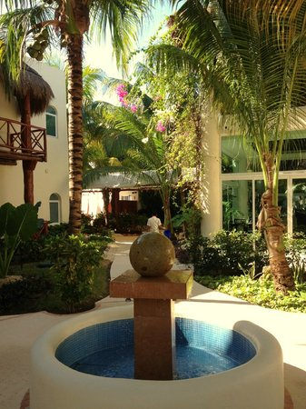 El Dorado Maroma, by Karisma: beautiful grounds