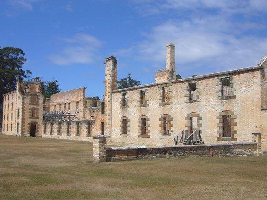 Site historique de Port Arthur : Largest building that is still standing...