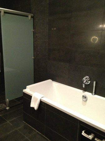 Hampton Hotel: Soaking tub