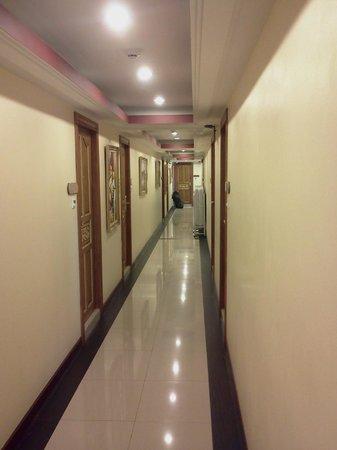 Pratunam Pavilion: Room